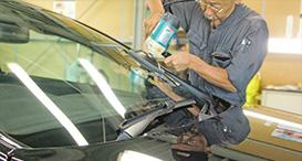 フロントガラスの油膜取り・撥水加工